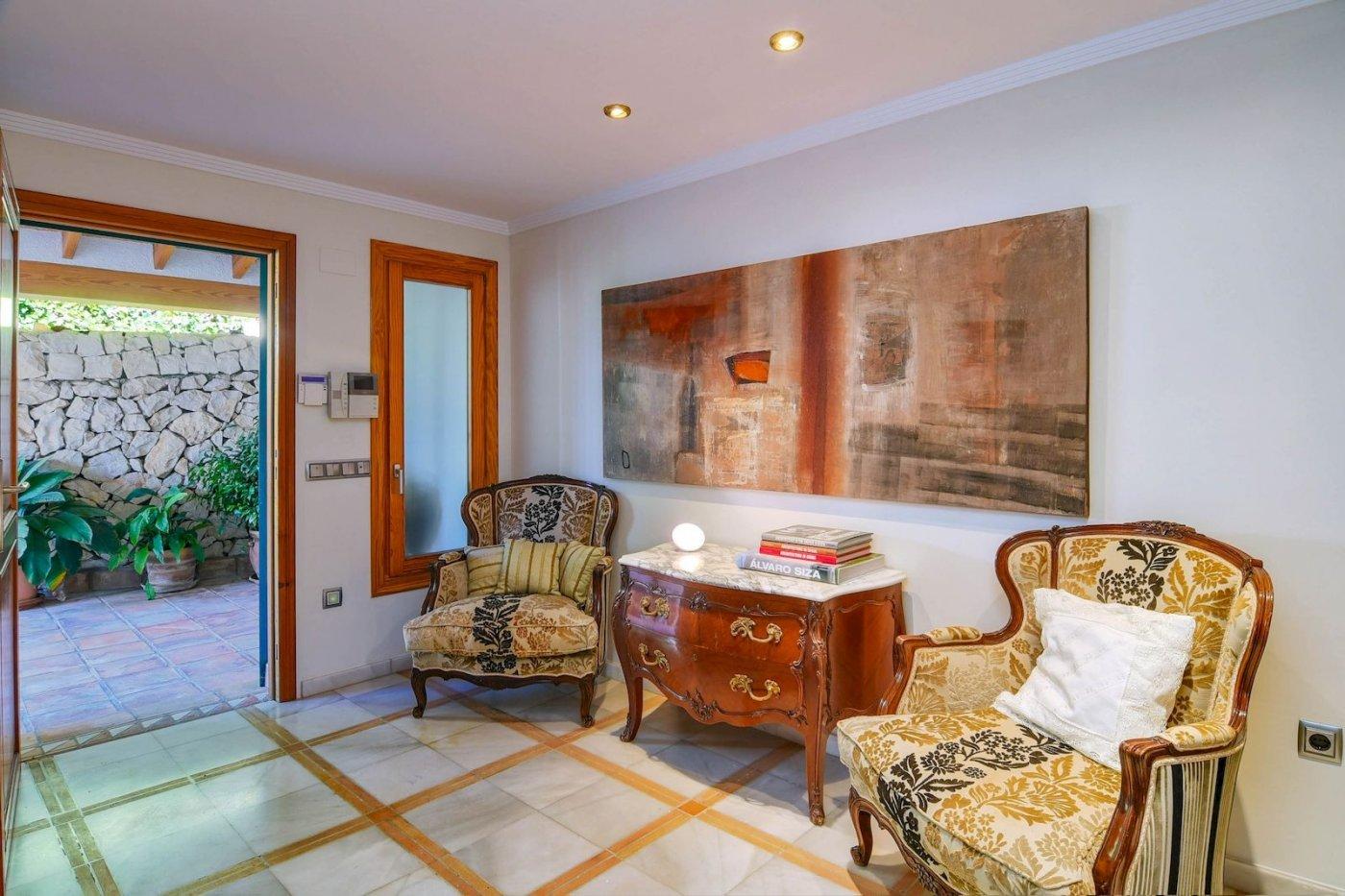 Exclusiva villa de lujo en venta en primera línea de la costa de Benissa con increíbles vistas al ma